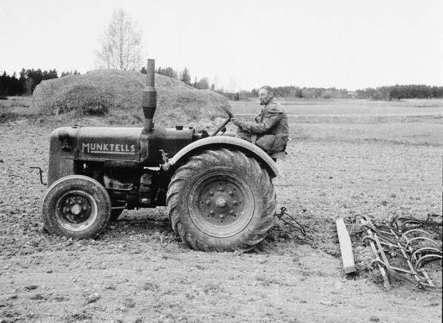 Первый шведский трактор Munktell